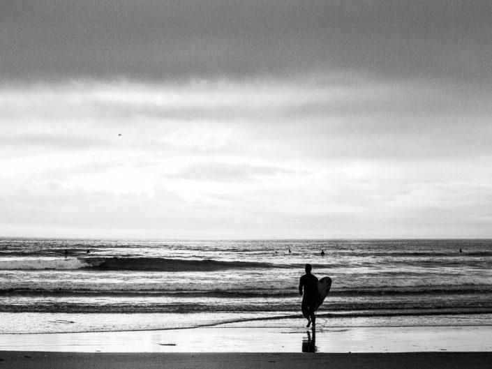 Surfen im Sonnenuntergang